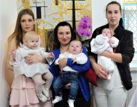 Matki z ochrzczonymi dziećmi